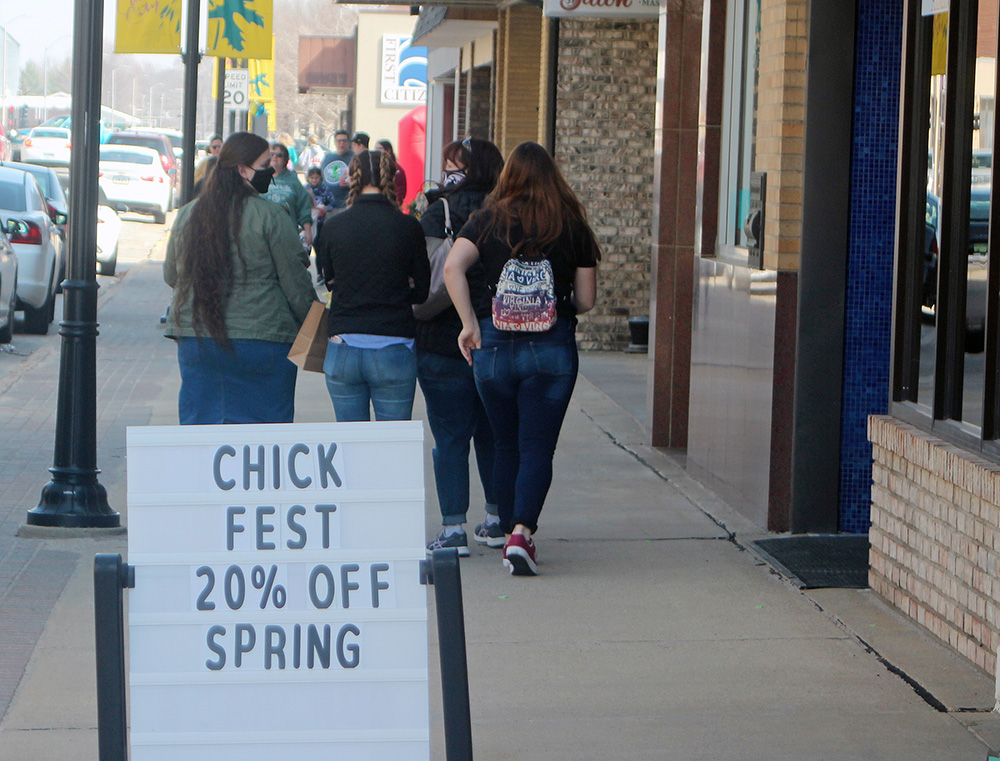 ChickFest 2021 brings shoppers downtown