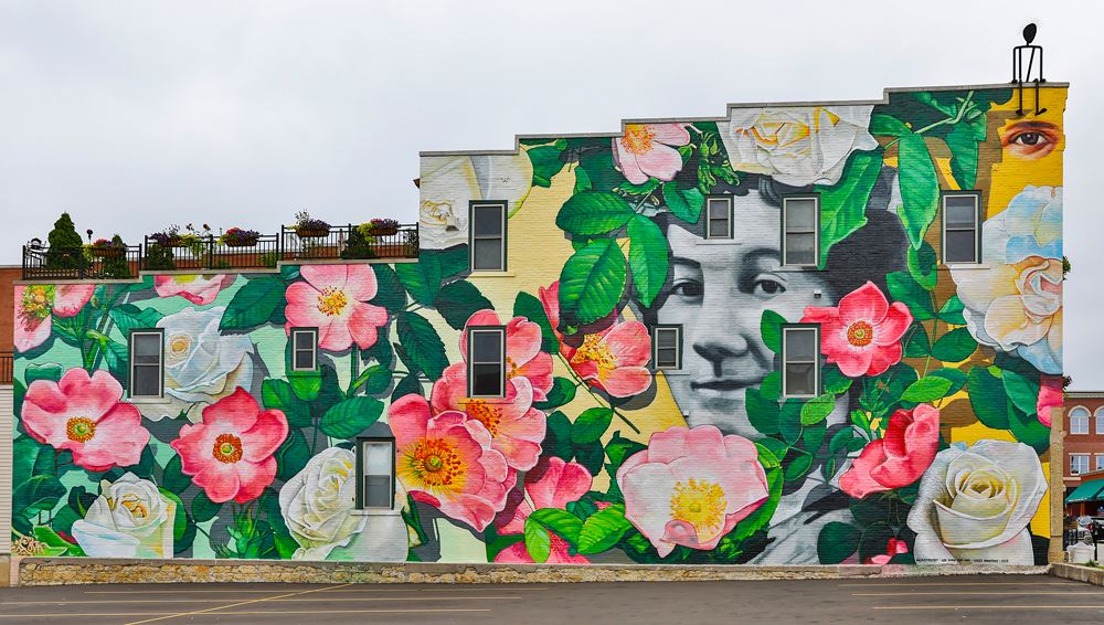 Charles City wants mural project to help it become 'town of colors'