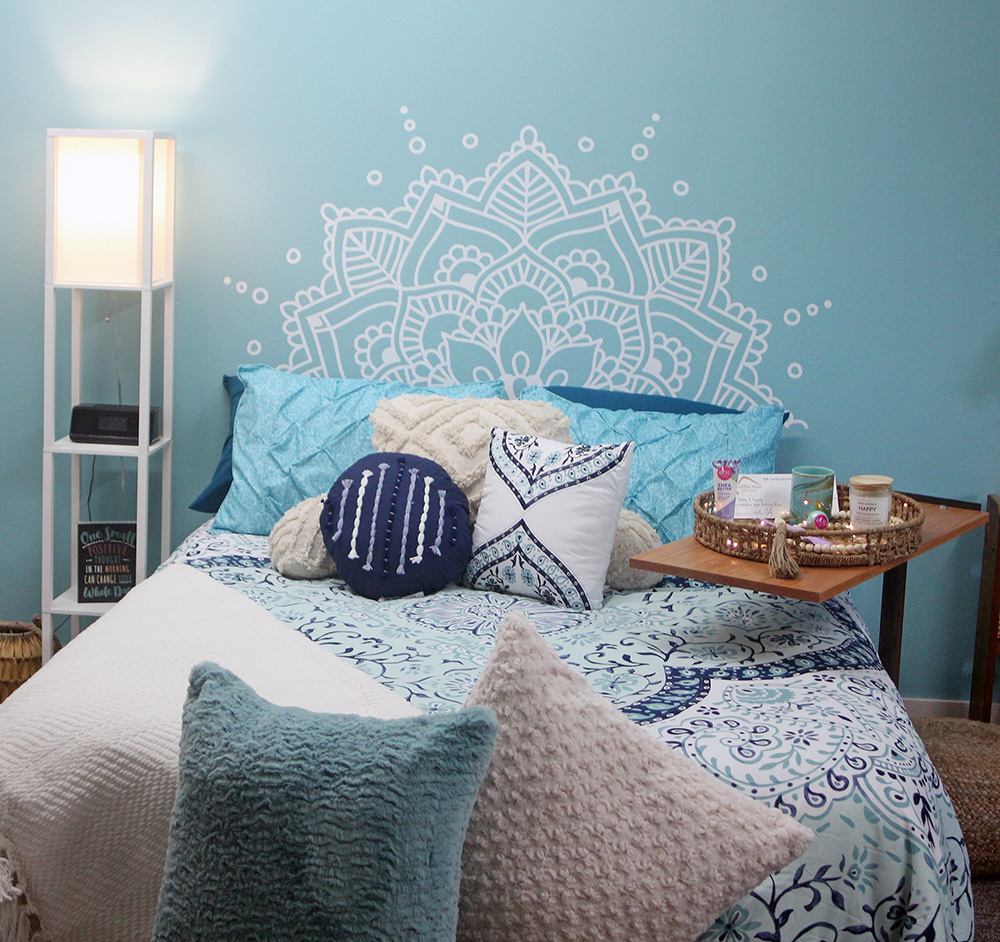 Field all smiles at bedroom makeover 'big reveal'